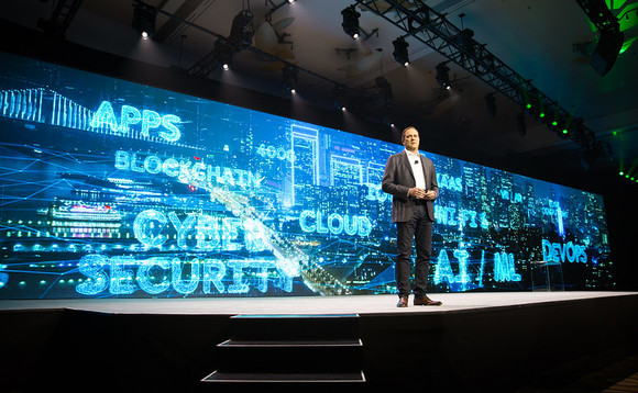 Cisco CEO Chuck Robbins on stage at Cisco Partner Summit 2019 in Las Vegas